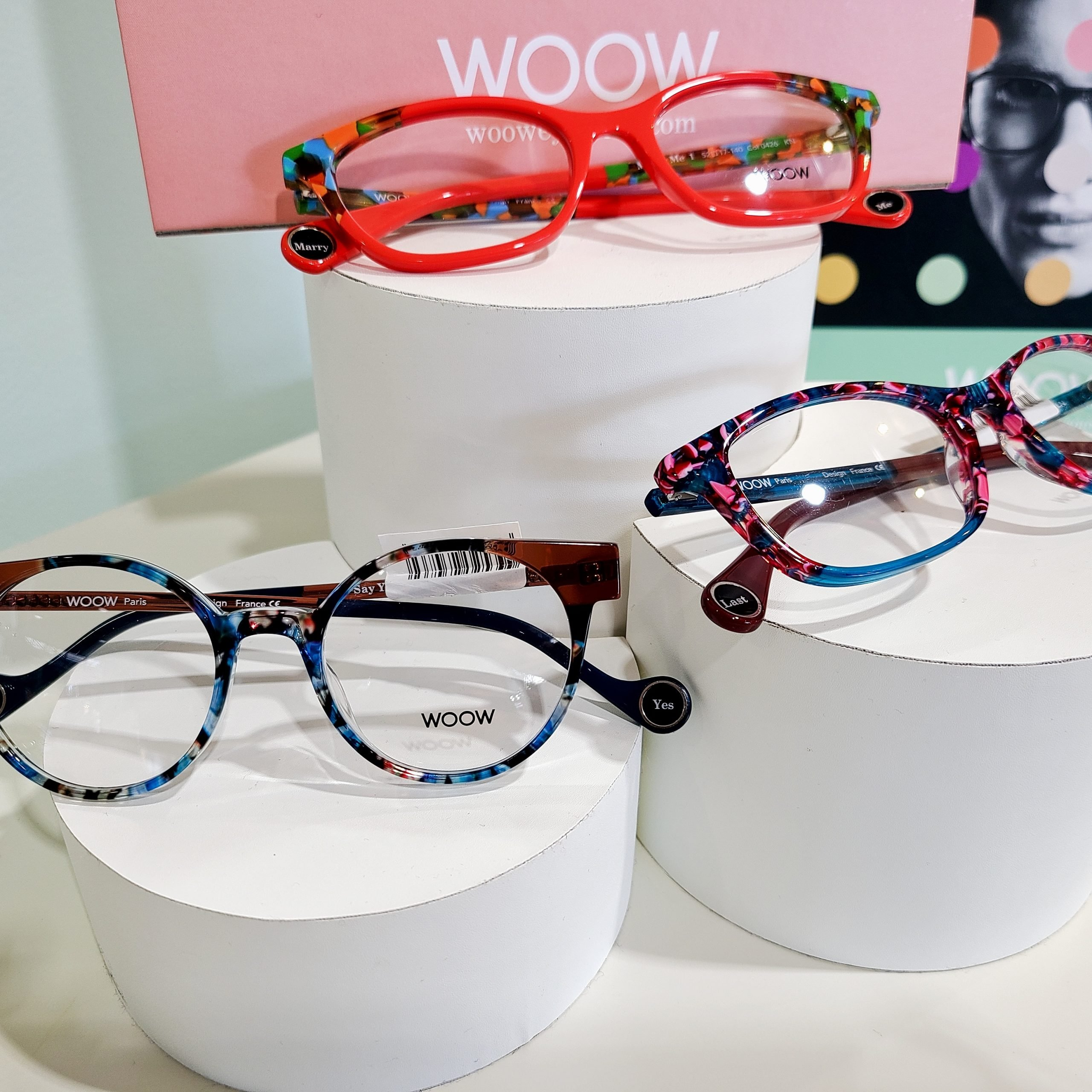 Woow frames on display